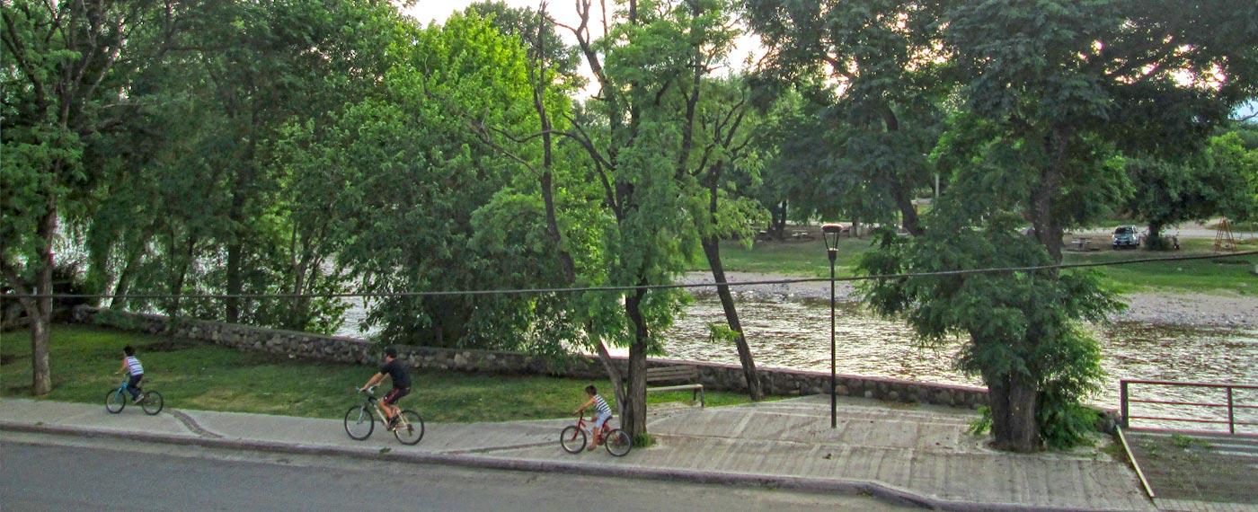 Frente al Río y cerca del centro